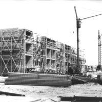 Bau von Wohnungen (ungefähr in den 50er Jahren)